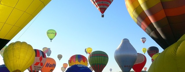 hot-air-ballooning-590123_640